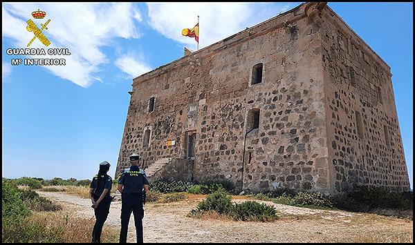 La Guardia Civil reforzará la vigilancia de Tabarca este verano