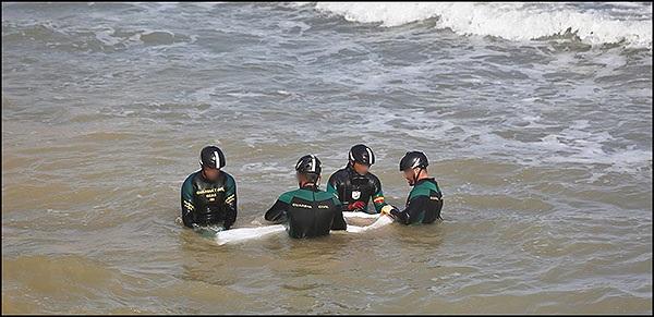 La Guardia Civil recupera en el mar el cuerpo sin vida del hombre desaparecido en Torrevieja